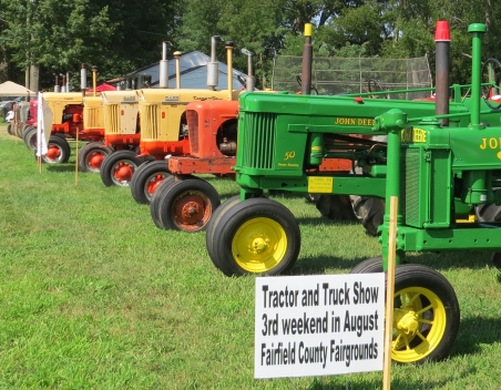 tractor park 2